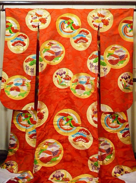 Photo1: G0826E Used Japanese Kimono  Dark Vermilion UCHIKAKE Wedding by Silk. Circle, Bottom is partely covered,  (Grade B) (1)