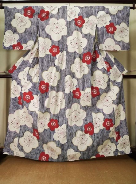 Photo1: K0426J Used Japanese   Blue YUKATA summer(made in Other than Japan) / Cotton. Camellia,   (Grade C) (1)