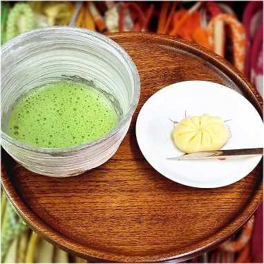matcha green tea and japanese sweets